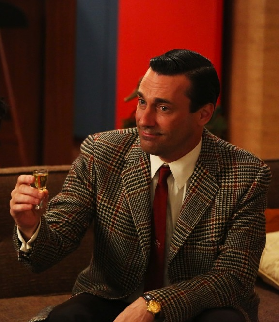 Shameless Jon Hamm photo? I'll drink to that!