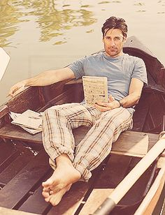 DId someone say Jon Hamm boat?